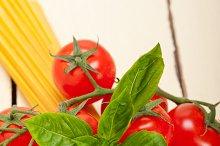 Italian tomato and basil pasta ingredients 013.jpg