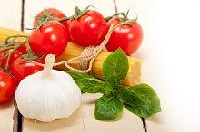 Italian tomato and basil pasta ingredients 016.jpg