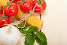 Italian tomato and basil pasta ingredients 019.jpg