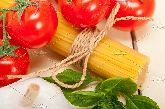 Italian tomato and basil pasta ingredients 024.jpg - Food & Drink