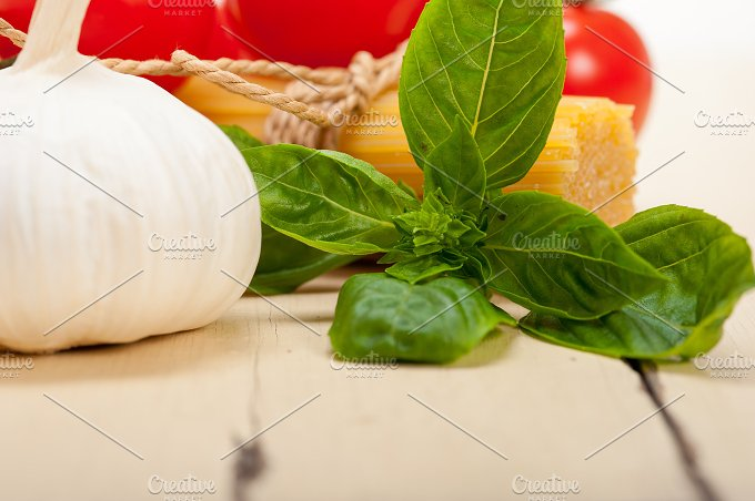 Italian tomato and basil pasta ingredients 025.jpg - Food & Drink