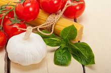 Italian tomato and basil pasta ingredients 027.jpg