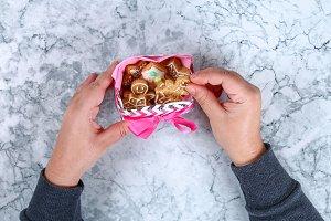 Diy Christmas gift wrap. How to make