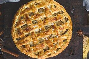 round baked fruit cake