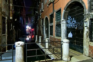 Venice by night 092.jpg