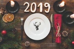 Table setting for Christmas 2019