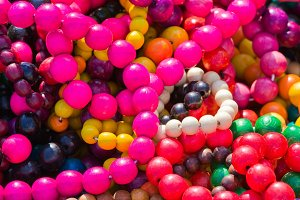 colorful necklace pil