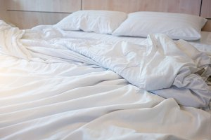White themed bed sheets bedroom inte