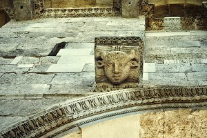 Stone heads, Diocletian's Palace. Sp