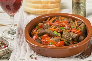 Beef stewed with vegetables