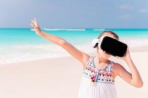 Kid wearing virtual reality glasses