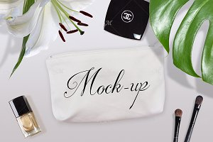 Cosmetic Bag Mock-up. PSD+JPG