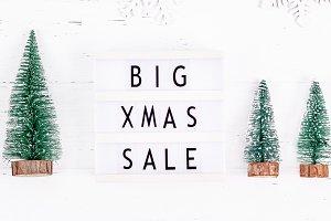 Big Christmas sale text lightbox whi