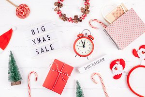 Big Christmas sale text lightbox whi