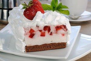 Strawberry souffle cream