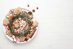 Plate with Christmas gingerbread