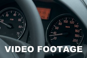 Car dashboard with low speed shown