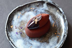 Chocolate Violet Mousse Mini Cake