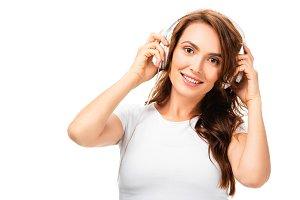 beautiful woman listening music, usi