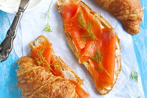 Croissant with salmon and cream chee