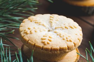 Close-up of Christmas mince pie