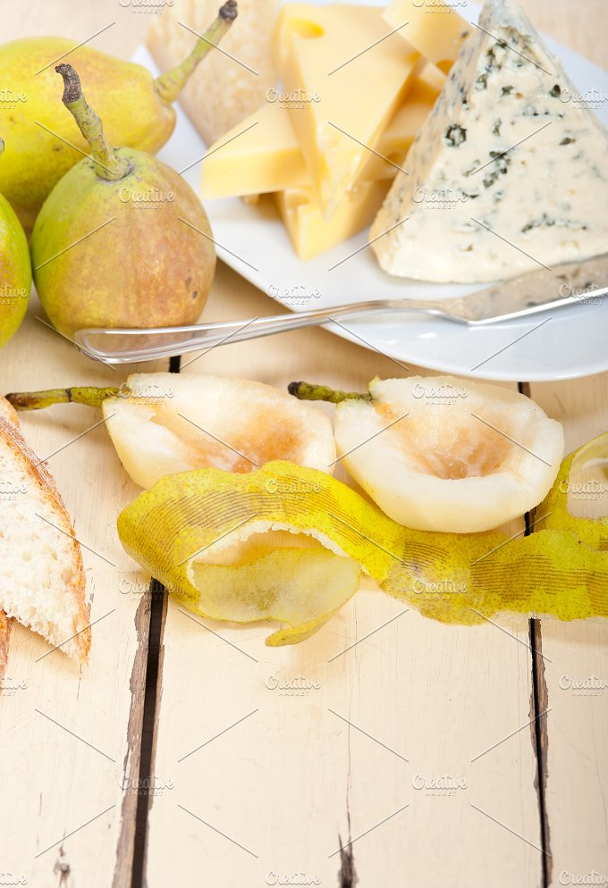 cheese and fresh pears 001.jpg - Food & Drink