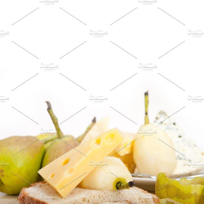 cheese and fresh pears 036.jpg - Food & Drink