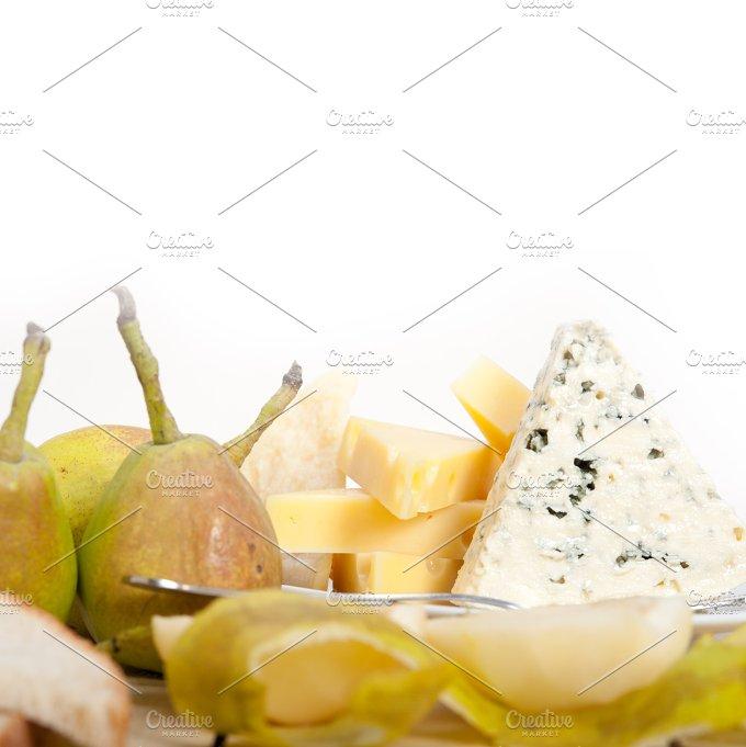 cheese and fresh pears 007.jpg - Food & Drink