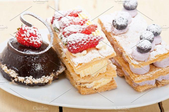 cream cake selection plate 006.jpg - Food & Drink