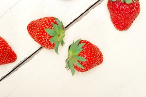 strawberries on white wood table 010.jpg
