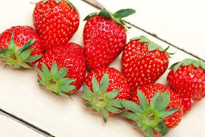 strawberries on white wood table 025.jpg
