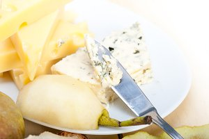 fresh pears and cheese 017.jpg
