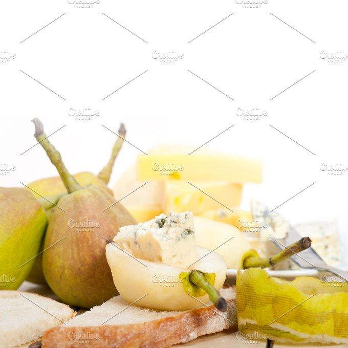 fresh pears and cheese 007.jpg - Food & Drink