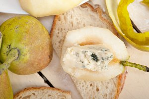 fresh pears and cheese 015.jpg