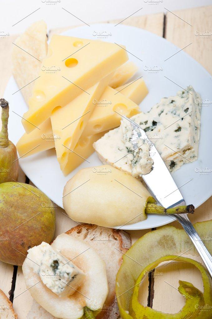 fresh pears and cheese 027.jpg - Food & Drink