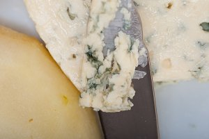 fresh pears and cheese 029.jpg