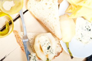 fresh pears and cheese 052.jpg