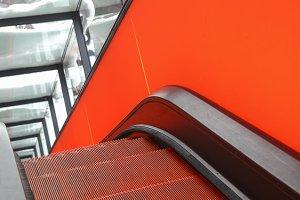 Steep escalator