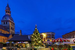 Christmas market at Dome square