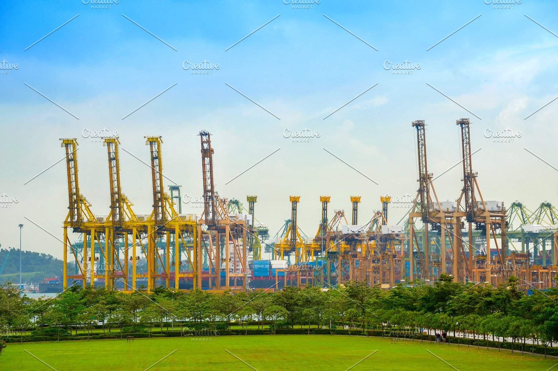 freight cranes Singapore shipping