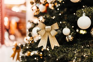 Gold Christmas Tree Decorations