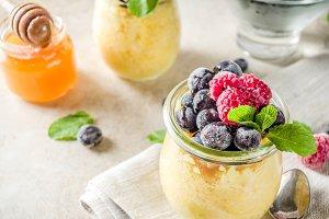 Sweet breakfast polenta with berries