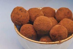 Chocolate truffles sprinkled dark