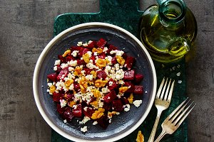 Salad with roasted beetroot