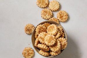 Cheese sesame cookies