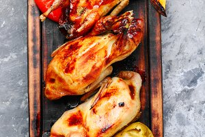 Whole grill quails