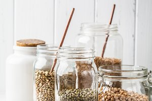 Various legumes: beans, chickpeas