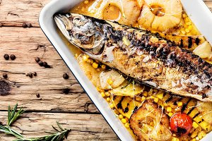 Baked fish with pineapple