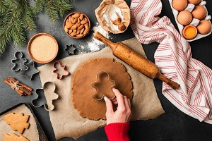 Preparation of gingerbread cookies