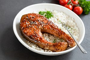 Grilled salmon steak with rice